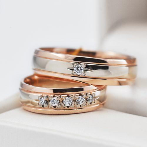Auksiniai vestuviniai žiedai su deimantais
