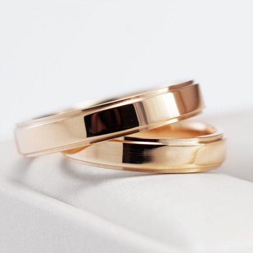 18 K geltono aukso vestuviniai žiedai