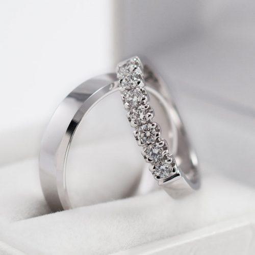 Auksiniai vestuviniai žiedai su briliantais